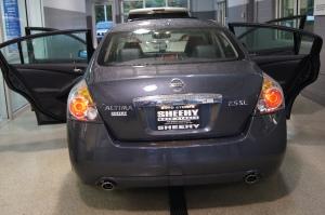 rear, back of Nissan Altima
