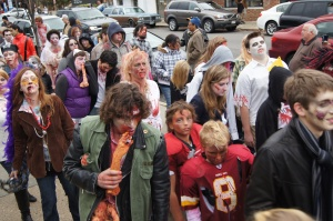zombies at Richmond Zombie Walk, crowd
