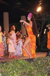 Hawaii hula dancing lesson at luau