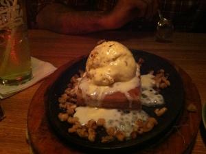 Applebee's blondie sundae